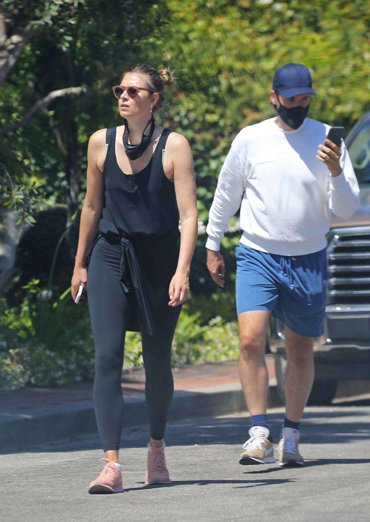Maria Sharapova Jogging In Tights Out In Manhattan Beach