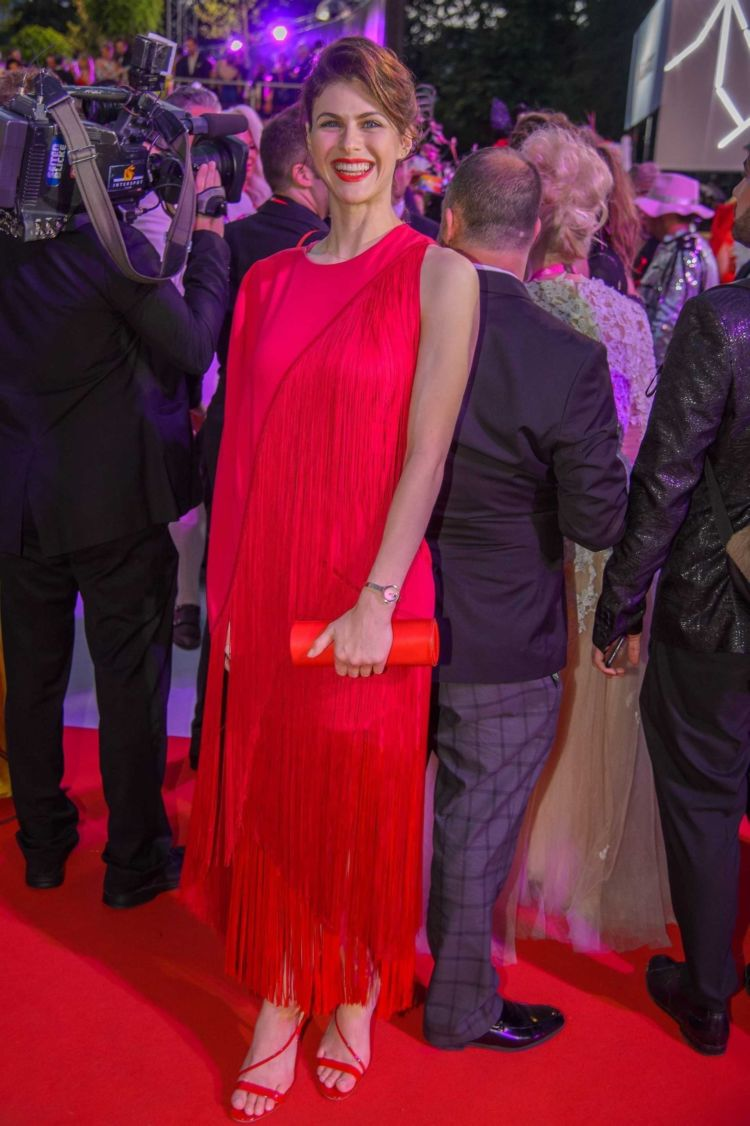 Alexandra Daddario In Red At The 25th Life Ball Event