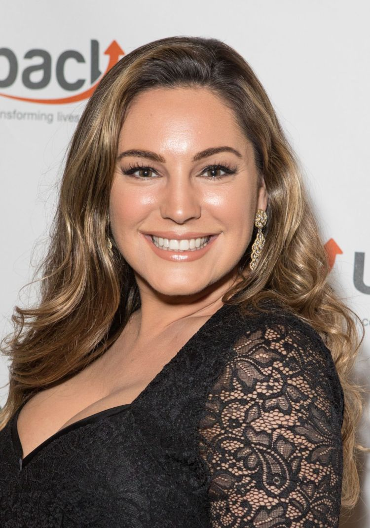 Gorgeous Kelly Brook At Back Up Black Tie And Diamonds Fundraising Gala
