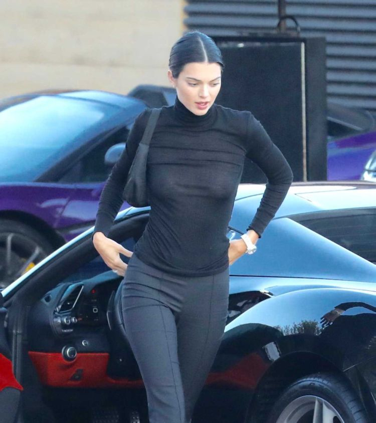Kendall Jenner Candids In A Black Outfit At Nobu