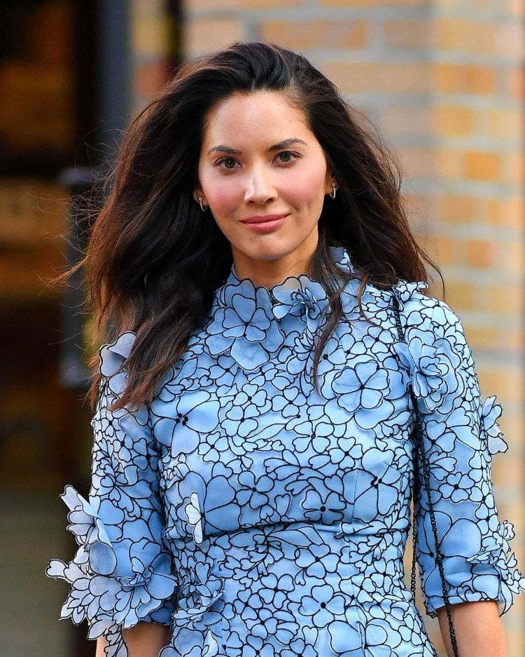 Gorgeous Olivia Munn Out And About In New York
