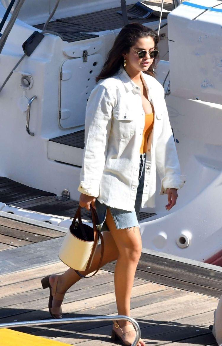 Selena Gomez On A Boat On The Amalfi Coast In Italy