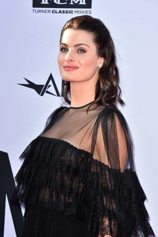 Isabeli Fontana Shines in Black At 46th Life Achievement Award Gala Tribute