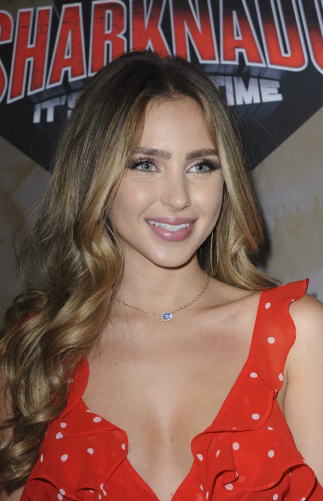 Beautiful Ryan Newman Attends The Premiere Of The Last Sharknado: It's About Time