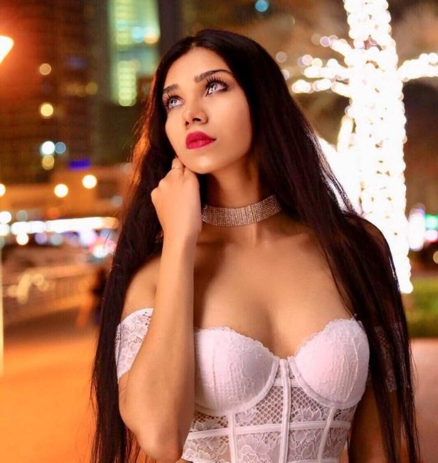 Popular Instagram Model Gauri Mehta's Special Photos