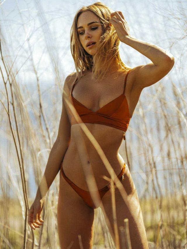 Kimberley Garner Poses For A Bikini Photoshoot In California