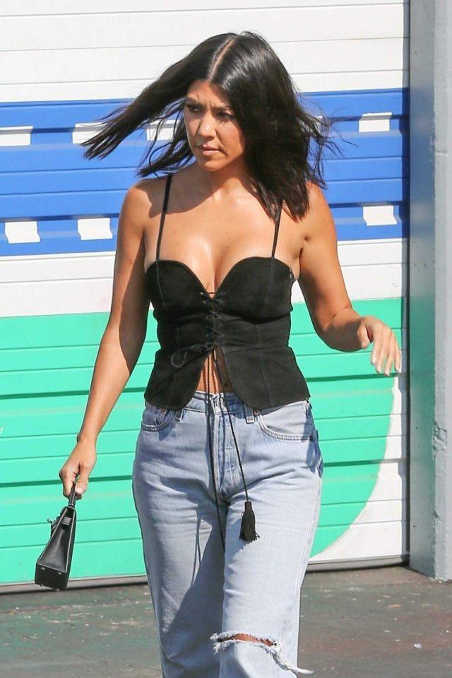 Kourtney Kardashian Arrives At A Studio In Woodland Hills