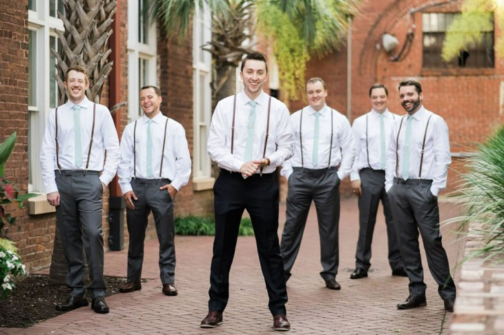 Grooms-in-alley