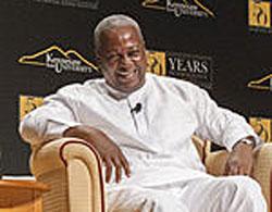 Ghana President John Dramani Mahama laughs during visit to Kennesaw State University. (Photo courtesy of MDJonline.com)