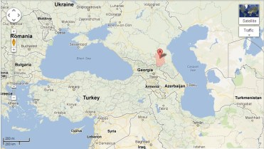 The location of Chechnya between the Black Sea and Caspian Sea.