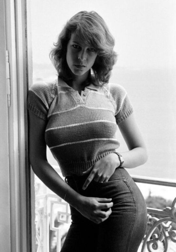 c0638636a9 18 vintage photos of a young Jamie Lee Curtis from in the late ...