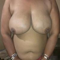 Sindhi didi chubby bhabhi busty tits big boobs