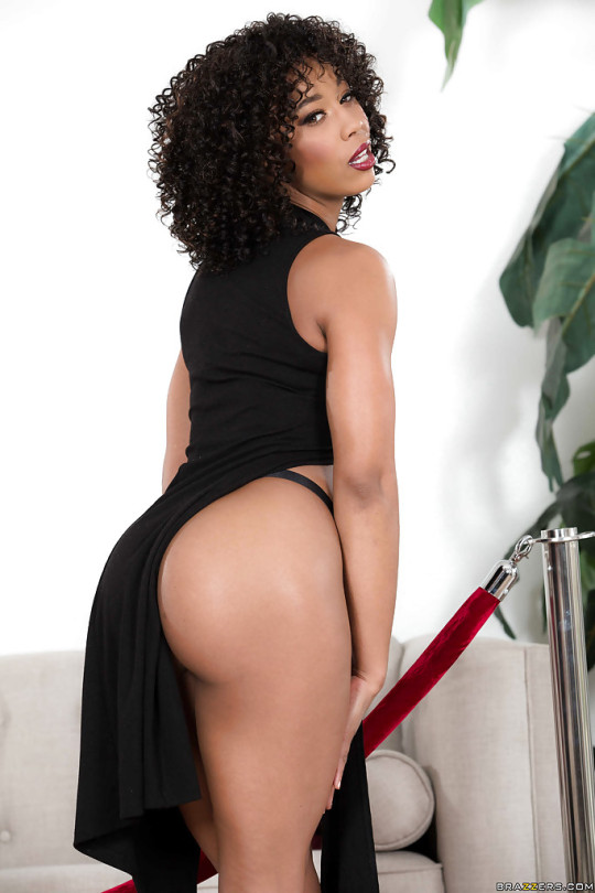 Misty Stone  data-recalc-dims=