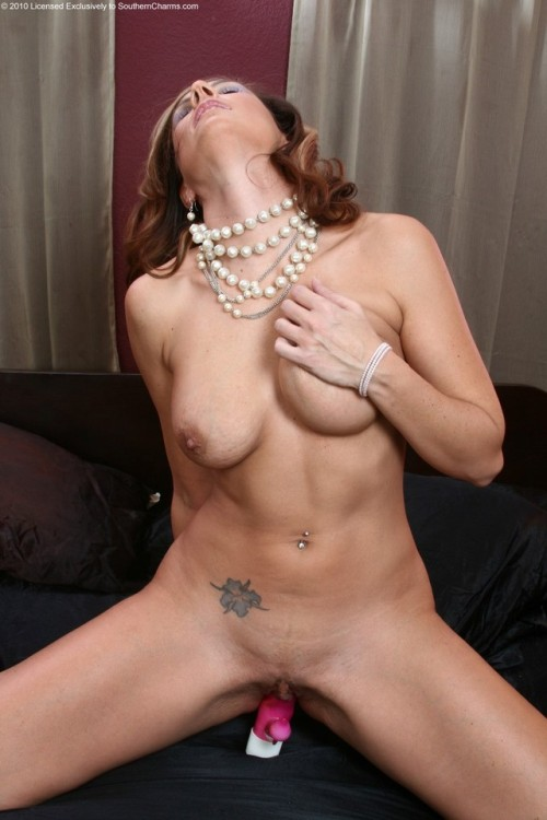 Sexy MILF !!! The Fastest growing porn blog on Tumblr !! Click...