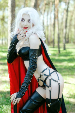 hotcosplaychicks:  Lady Death by CurlyJul  Check out http://hotcosplaychicks.tumblr.com for more awesome cosplayWe're on Facebook!https://www.facebook.com/hotcosplaychicks