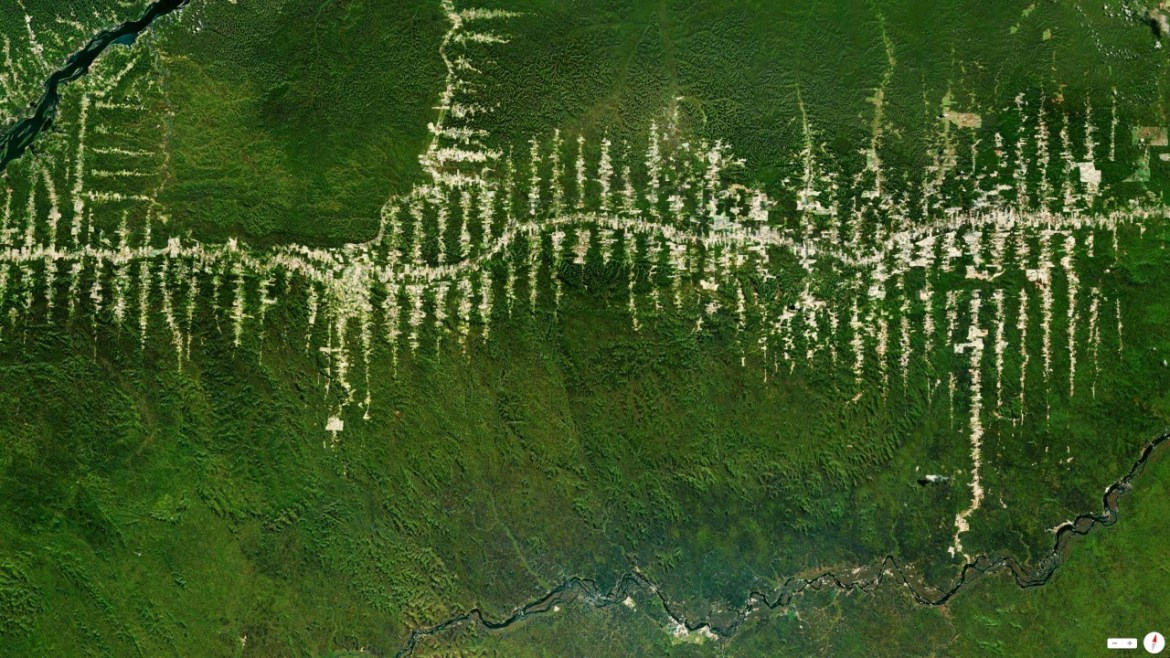 Amazon Rainforest deforestation Para, Brazil 5°40′S 52°44′W