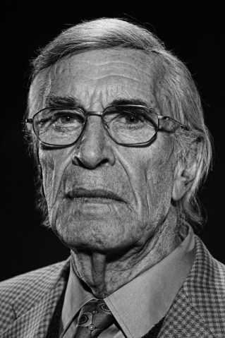 MARTIN LANDAU DEAD AT 89.. Dick Guttman said Landau died Saturday of unexpected complications during a short stay at UCLA Medical Center. He had just celebrated his 89th birthday. Landau was the crafty master of disguise for the TV version of...