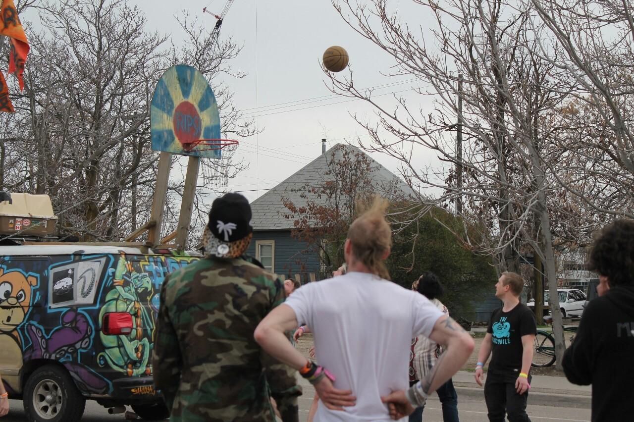 Pop-Up Rio Streetball Court!-lazharus