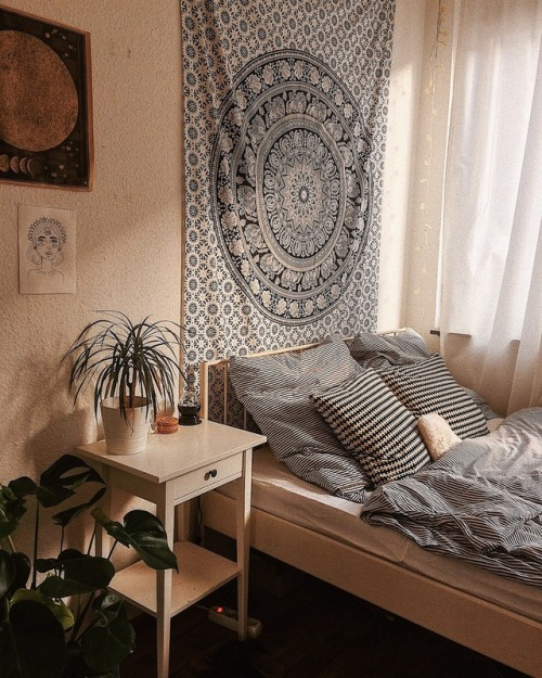 Top 80'S Aesthetic Bedrooms - tumblr_p1l499K3Vg1t8slwoo1_500  Collection_219027.jpg
