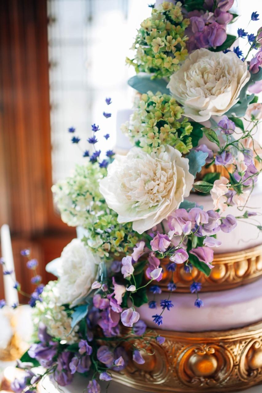 Purple Sugar Flower Wedding Cake  Sugar Peonies, Viburnum, and Sweet Peas I Kentucky Wedding Cake I Luxury Wedding Cake I Mischief Maker Cakes #mischiefmakercakes #themischiefmaker #kentuckyweddings