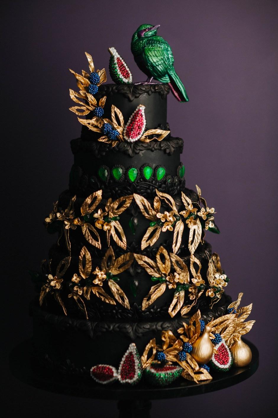 Emerald Wedding Cake I Couture Wedding Cake I Fashion Wedding Cake I Luxury Wedding Cake I Sugar Flower Wedding Cake I Avant Garde Wedding Cake I  Mischief Maker Cakes #mischiefmakercakes #luxury