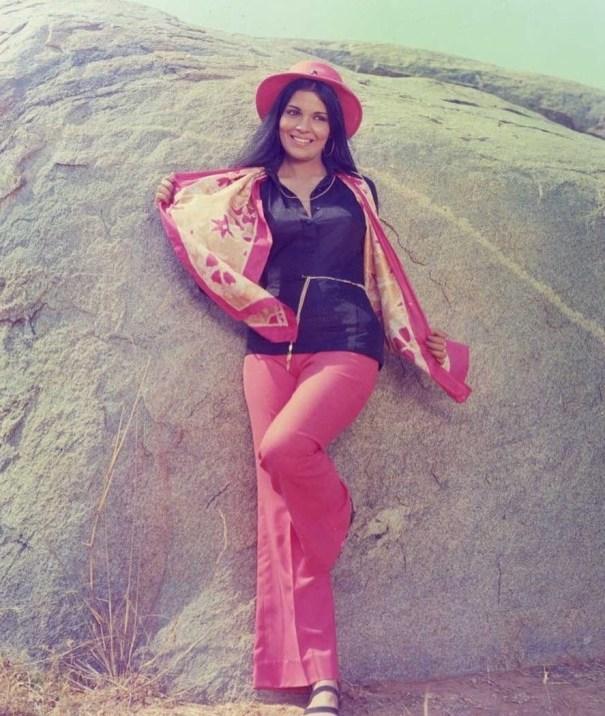09dfb0d9688 Zeenat Aman (1970 s) – Vintage Stuff