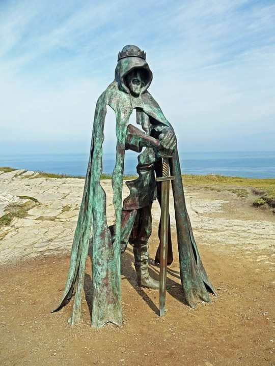 """thefabulousweirdtrotters: """"statue of King Arthur on the top of Tintagel cliffs """""""