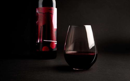 "tumblr_p2zpczbGK81r5vojso4_500 Packaging for Wayward Wines by way of Robotic Meals""Introducing Wayward... Design"