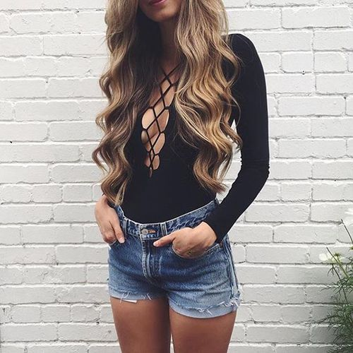 $10.19 Get her black lace up shirt »here« !