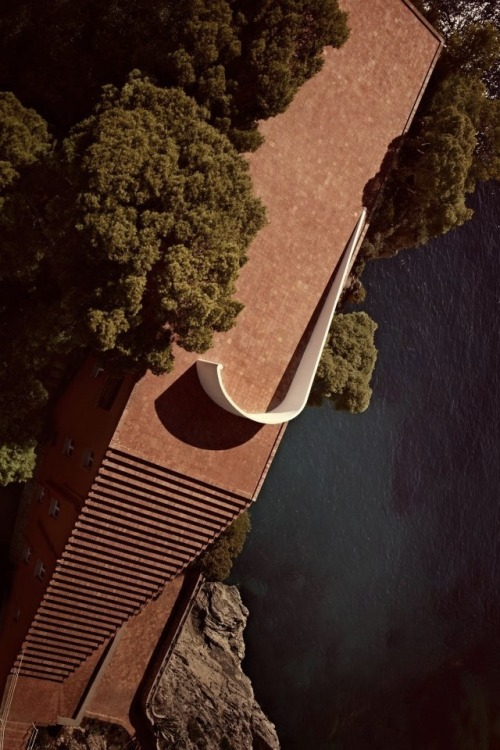tumblr_p9uba80TSh1qfzymao2_500 just-good-design:  Malaparte house in Capri.Including some... Contemporary