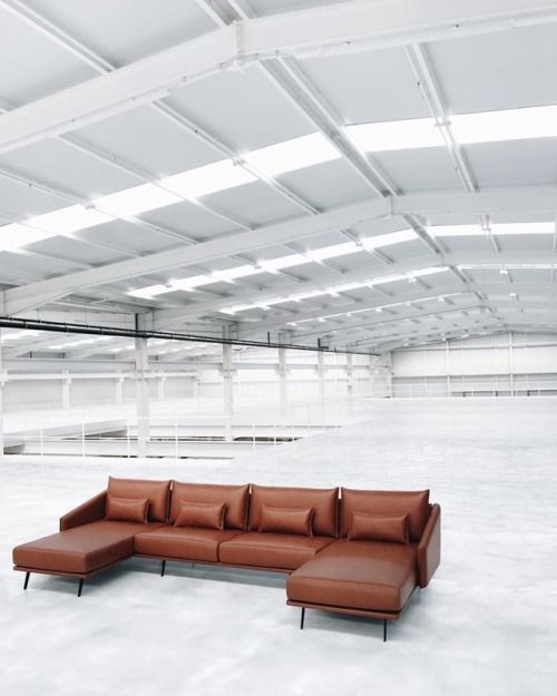 tumblr_pa5oc6MeLM1qfx0suo1_500 stua:  The successful Costura sofa production needs plenty of... Contemporary