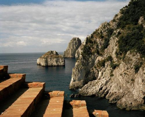 tumblr_p9uba80TSh1qfzymao1_500 just-good-design:  Malaparte house in Capri.Including some... Contemporary