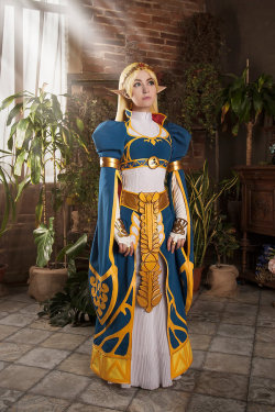 Majestic Princess by Odango-datte  Check out http://hotcosplaychicks.tumblr.com for more awesome cosplayWe're on Facebook!https://www.facebook.com/hotcosplaychicks