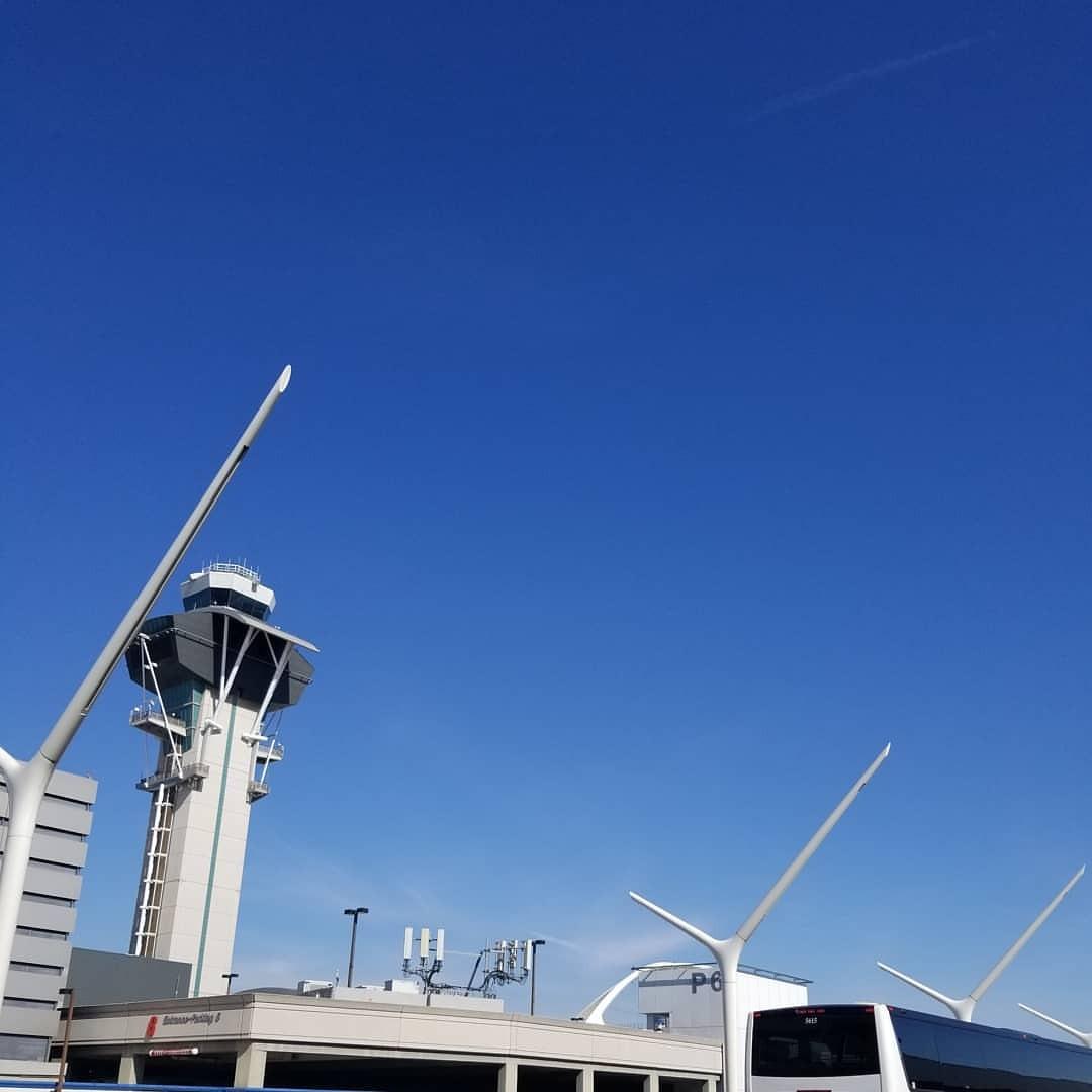 いい天気、というか暑い… (LAX - Los Angeles International Airport)