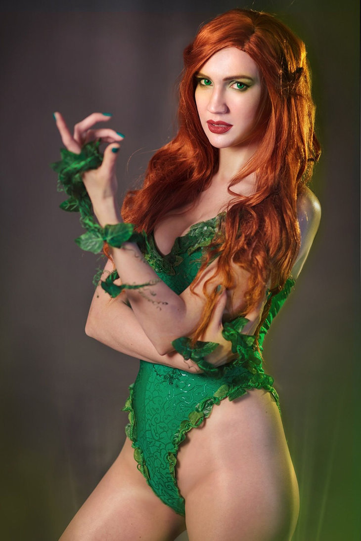 hotcosplaychicks:  Poison Ivy and Robin by neko-tin  More Hot Cosplay: http://hotcosplaychicks.tumblr.com NSFW Content: https://www.patreon.com/hotcosplaychicksChat Room: https://discord.gg/rnaDPNqfacebook: https://www.facebook.com/hotcosplaychicks