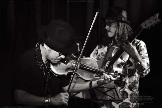 高橋誠-Takahashi, Sei:vln-TAKAHASHI, Sei-:violinisthttp://www.saysun.net/高木潤一:TAKAGI, Junichi-:guitaristhttp://takagi.fc2web.com/