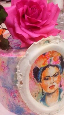 Şeker hamuru üzeri resimleme / pasta boyama / fondant painting / cake painting / Frida