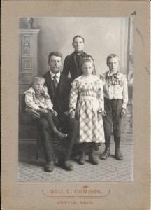 The Holmlund family Gust. Erik, Emma, Thea and Ezra