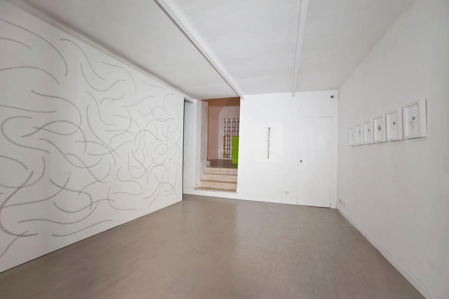 Chiara Dellerba, Untitled (wall drawing), pencil on wall, Sara Zanin, Rome, 2014