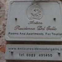 Steile Treppen im Herzen von Lucca
