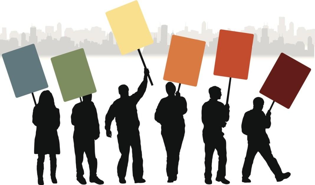 Орловские депутаты выйдут на пикеты за отставку мэра