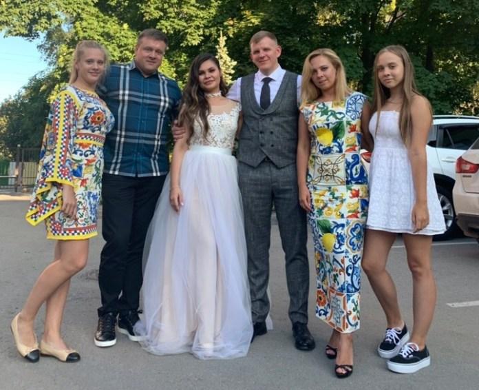 Губернатор Николай Любимов побывал на свадьбе у подчинённого