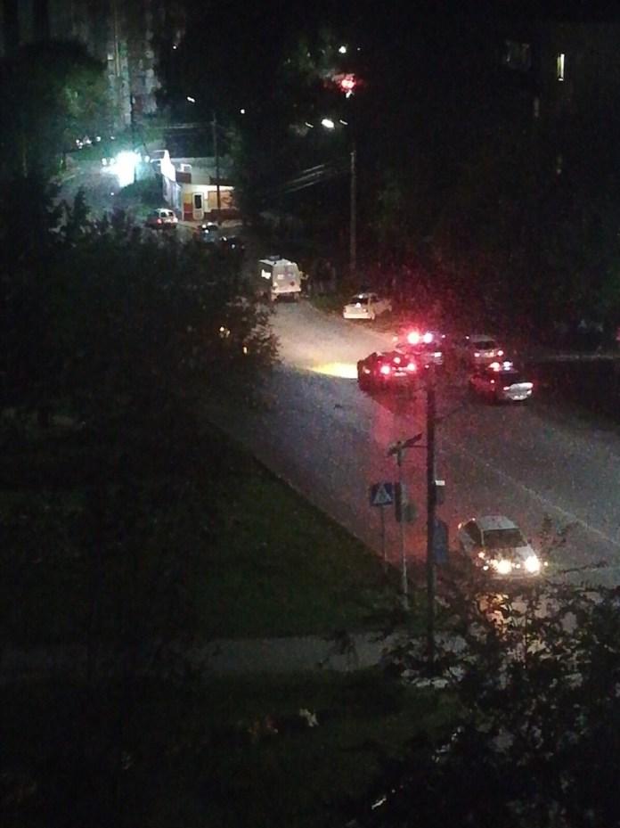 В Димитровграде ВАЗ протаранил жилой дом после ДТП: трое травмированы