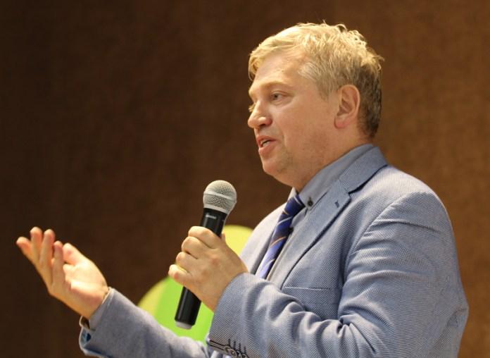 Рязанцы встретились с редактором российско-французского журнала Геннадием Самуйловым