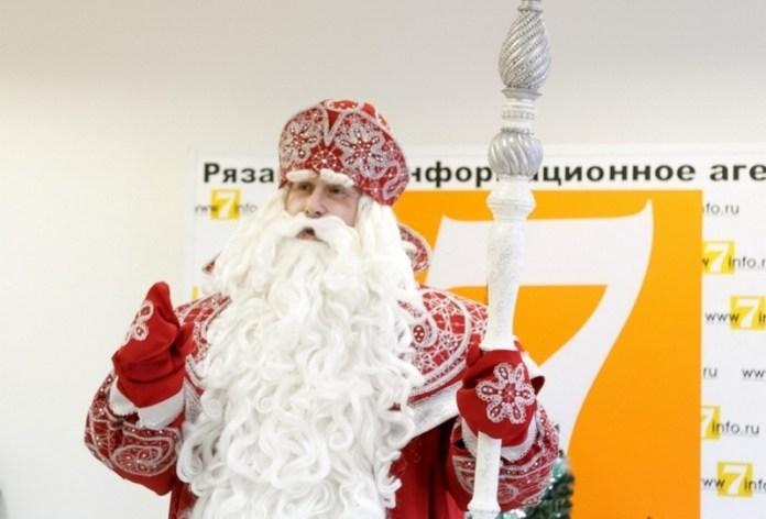 Дед Мороз приглашает всех россиян на свой день рождения