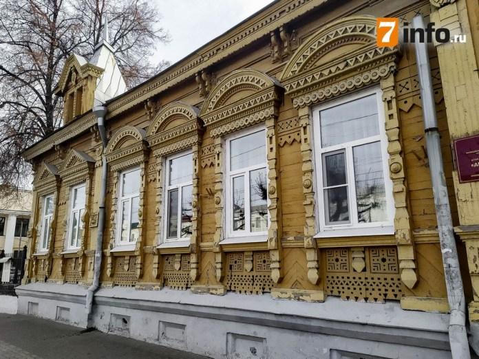 История здания в Рязани, которое похоже на старинный сказочный терем