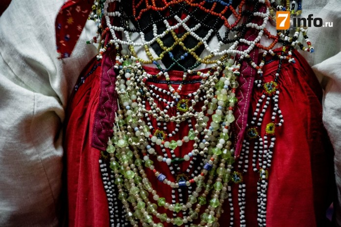 На «Ночи искусств» рязанцы увидели старинные бисерные ожерелья, которые носили скопинские красавицы