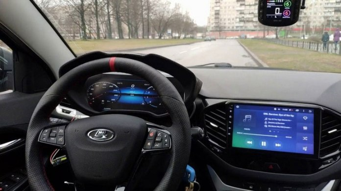 Появилась новая информация об электронной приборной панели для Lada Vesta