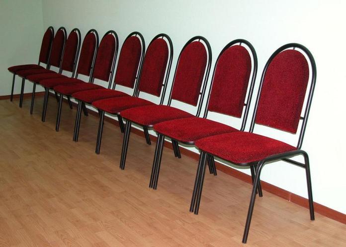 Стулья по 100 тысяч за каждый купили для музшколы в Пскове