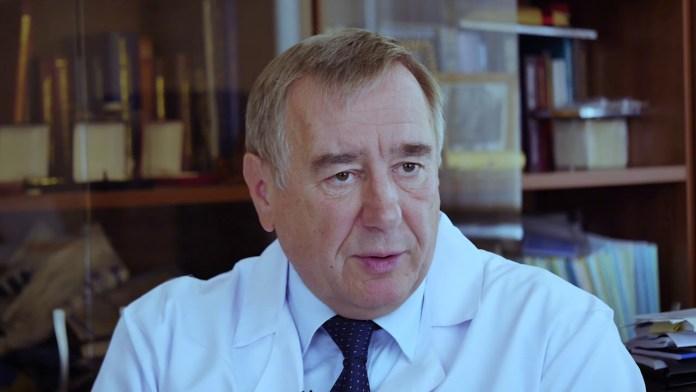 Брико рассказал, когда в РФ спадет вспышка COVID-19